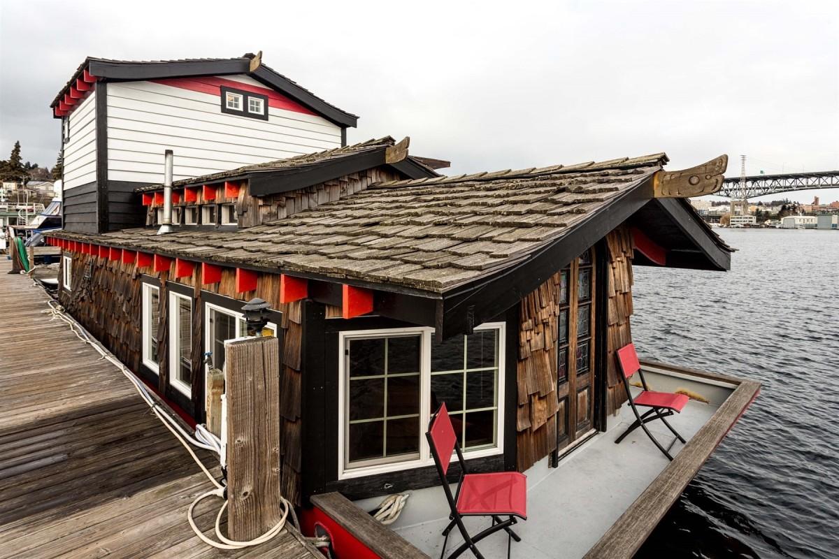 Haida Houseboat